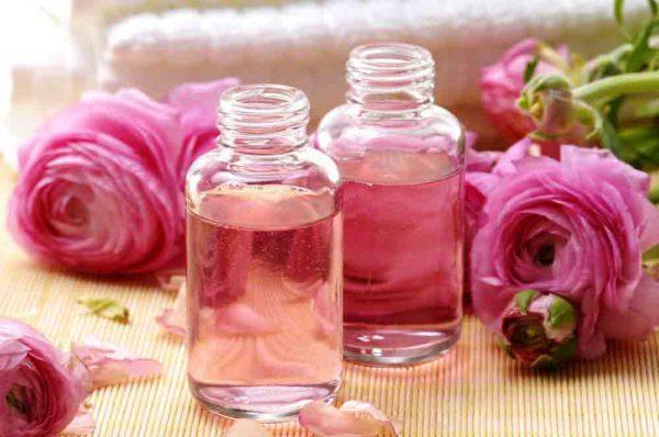 Công dụng và tác hại của nước hoa hồng